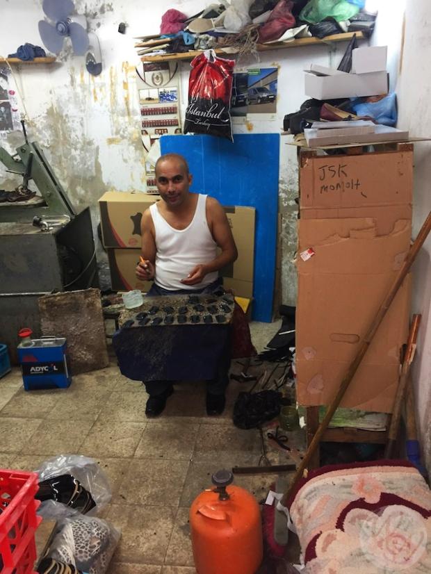 Die Menschen in Algerien sind sehr freundlich und üben noch traditionelles Handwerk aus